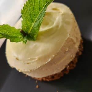 Cheesecake à la passion, sablé coco