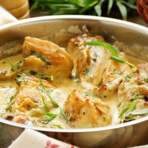 Suprême de volaille à la crème et langoustines rôties